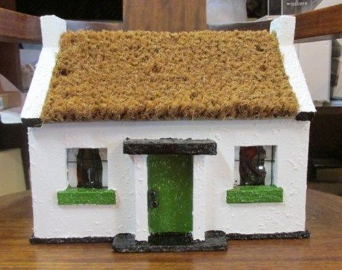 Replica Irish Thatched Cottage Green. Indoor/Outdoor